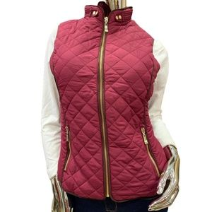 Active USA  Vest Quilted Zip Up with Pockets.